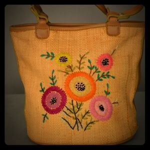 VTG straw beautiful and unique hand bag